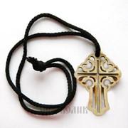 Крест-подвеска на шнурке деревянный